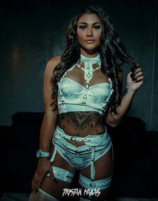 Tashy Topless Waitress Melbourne